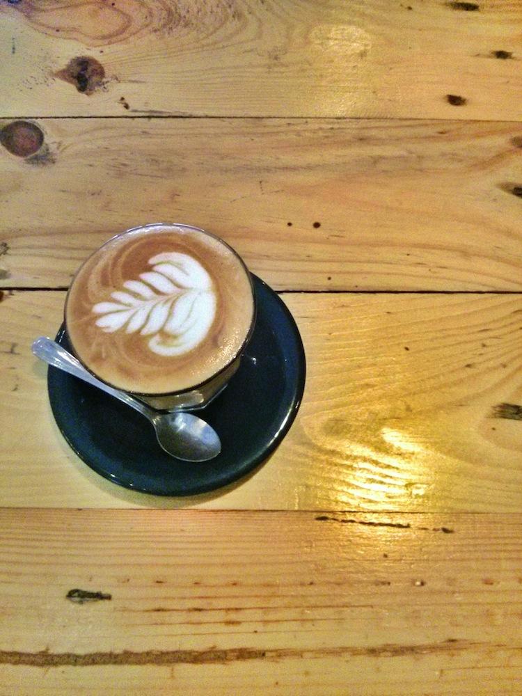 kopi nikmat: cappuccino di casa verde, tebet